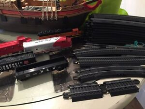HO scale trains and tracks