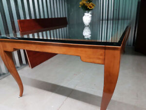 BEAUTIFUL LARGE EUROPEAN DINING TABLE!! *ONLY $300!!*