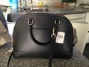 Brand New Coach Purse- LEATHER with detacbable shoulder strap Peterborough Peterborough Area image 3