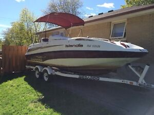 Great boat! Crummy vinyl. Reduced Price