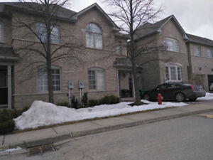 FOR LEASE -TOWNHOUSE- 3BR-2.5BR +finished basement+ 2 parking