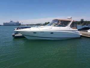 2000 Chris Craft Express 328 LOW HOURS