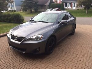 Lexus is 250 AWD premium