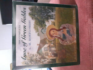Complete set of ANNE  OF GREEN GABLES.