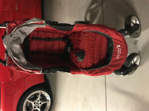 Pousette baby joggers city mini rouge ( paye 370$)