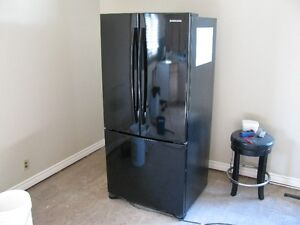 Samsung Refrigerator with Freezer on Bottom
