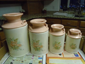 kitchen canisters (4)
