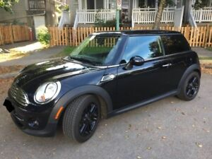 2013 MINI Cooper Baker Street with Winter Tires & Rims!!