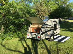 Teardrop  Camping Travel Trailer for Rent