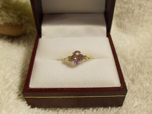 10kt yellow gold ring with a genuine Amethyst Ring - Size 6