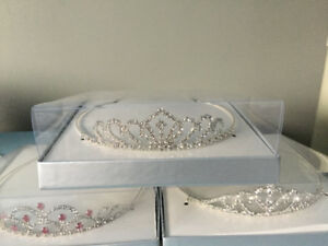 Tiara, Brand New. Great for Prom, Wedding etc......