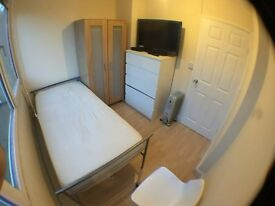 SW15 4JH_LOVELY SINGLE ROOM with LCD TV