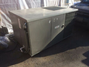 lennox rooftop heating and cooling unit, reduced   has to go