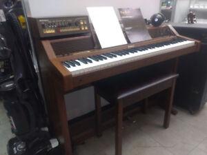 Piano électrique vintage 1983 Roland avec beatbox 599.95$