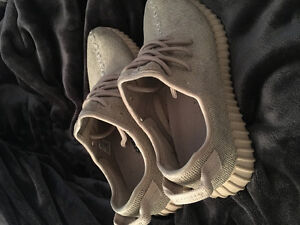 Yeezy 350 boost oxford Tans size 9.5 US