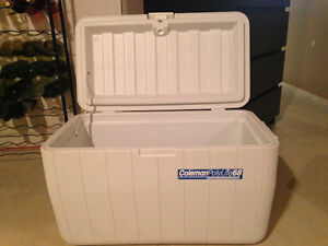 Attention campers and fishermen! Large Coleman cooler