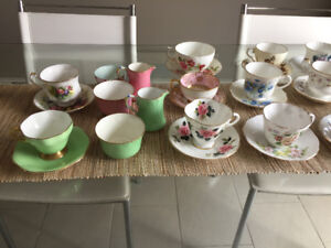 Tasses et Soucoupes ** Fine China ** Teacups and Saucers