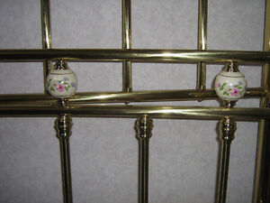 Fifth Ave Queen Size Brass Bed & Heavy Duty Bed Frame London Ontario image 2