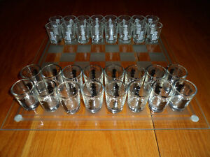 DRINKING GAME: SHOT GLASS CHESS SET