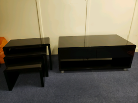 TV cabinet & nest of tables
