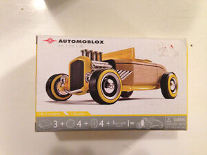 Automoblox mini HR-2 Sealed