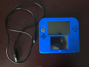 Selling cheap Nintendo 2DS with charger