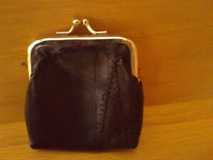 Women's black kisslock change purse coin purse NEW