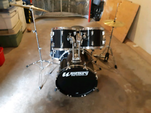 Westbury 5 Piece Drum Set (complete set)