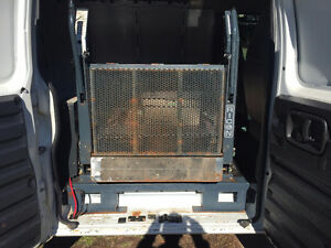 Ricon Wheelchair Lift for van or bus Cambridge Kitchener Area image 2