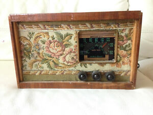 Antique Radio - Northern Electric Model 5116