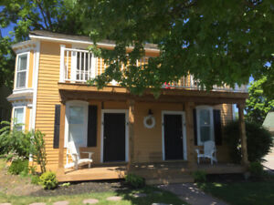 Waterfront Short Term Rental - Captains Quarters Guest Cottage