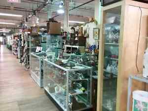 Shop Canada's largest antique mall 600 booths to explore  Kitchener / Waterloo Kitchener Area image 5