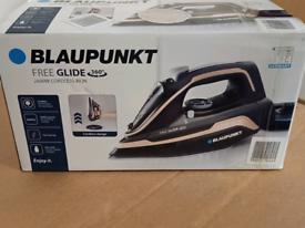 Iron- Blaupunkt free Glide Cordless 2600W Free Glide 360° *New/Unused*
