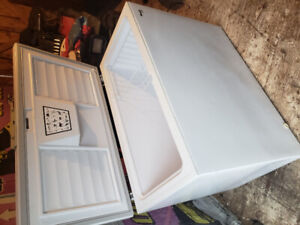 Like new Woods 10 cubic ft chest freezer