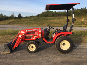 24HP 4x4 Branson tractor with front loader only 110 hours !!