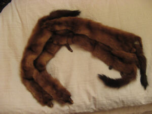 VINTAGE GENUINE MINK FUR ANIMAL PELT FEET COLLAR