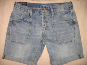 NEW WITH TAG WOMEN'S GAP FACTORY DENIM SHORTS, SIZE 4