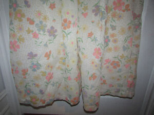 VINTAGE Flocked Floral Lined Long Nightgown Gatineau Ottawa / Gatineau Area image 3