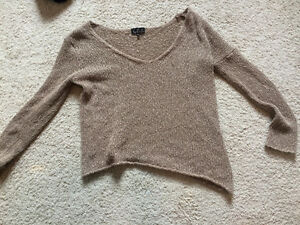 Aritzia camel knit sweater