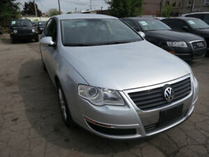 2010 Volkswagen Passat 2.0T - Leather, Htd Seats, Excellent