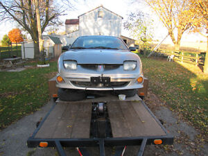 Parting out 2001 Pontiac Sunfire coupe London Ontario image 3