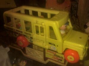 1965 VINTAGE Fisher Price Little People School Bus