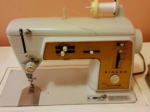 SINGER Touch & Sew Deluxe Zig Zag Model 620 Sewing Machine