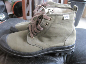 Near New Ruko Scout Desert Canvas Ankle Top Shoes - Size 9