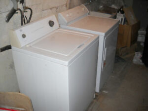 Laveuse et Secheuse Grand Cap. - Large Washer and Dryer Set