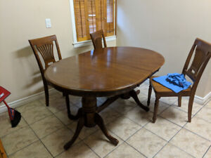 Dining table and chairs - ideal for student house