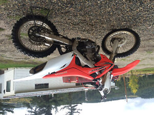 2011crf450r Williams Lake Cariboo Area image 1