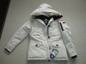 Canada Goose chilliwack parka online fake - Canada Goose | Buy or Sell Clothing in Ottawa | Kijiji Classifieds ...