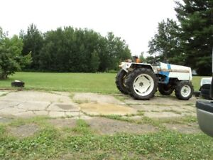 4X4 COMPACT TRACTOR