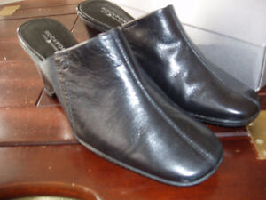 ROCKPORT LEATHER SLIPON SHOES NEW SIZE 5 1/2